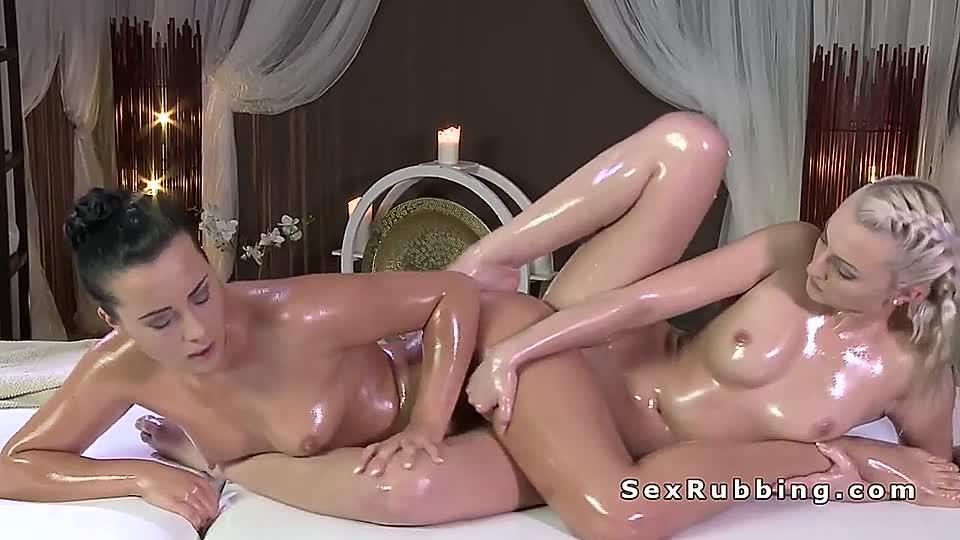 Ölige Frauen sexy Nackte Nackte Frauen